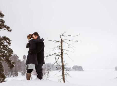 Winter elopement in snowy Helsinki