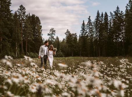 Bohemian Summer Wedding | Kesähäät Punkalaitumella | Weddingphotographer Finland