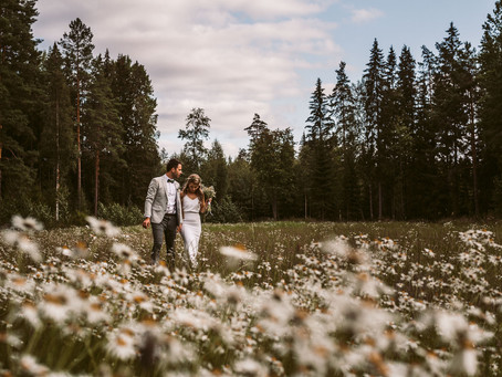 Bohemian Summer Wedding | Kesähäät Punkalaitumella | Weddingphotographer Finland