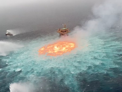 Pipa Gas Bawah Laut Pemex Terbakar Di Teluk Meksiko