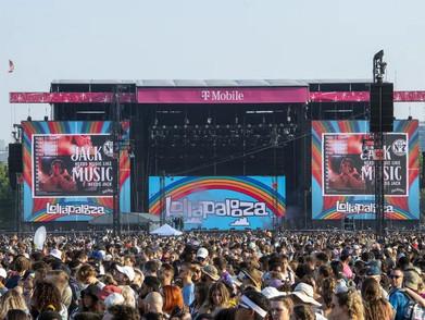 Kerumunan Penonton Di Festival Musik 'Lollapalooza' Bikin Heboh Netizen