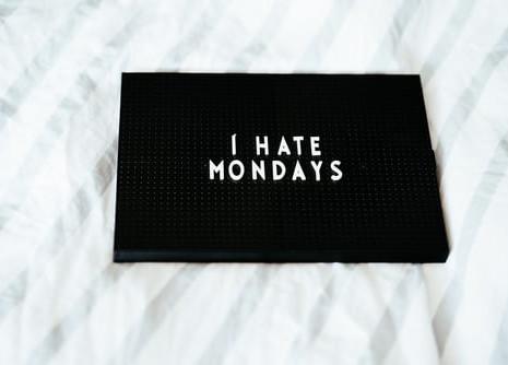 Benci Hari Senin? Bisa Jadi Lo Mengalami 'Monday Blues'!