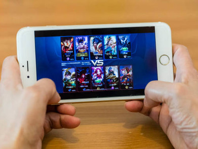 """Gamers Habiskan Rp 24 Triliun Buat Beli """"Item"""" Mobile Game"""