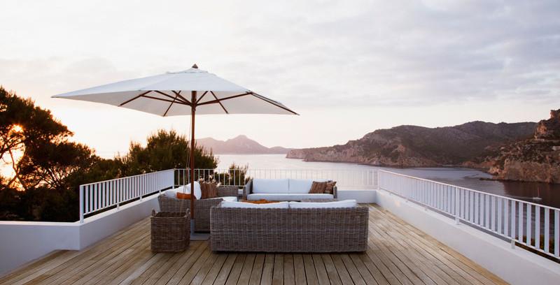 vitex-decking-installation-outdoor.jpg