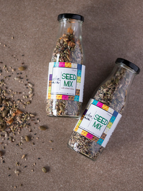 SEED MIX with dried dates & almonds