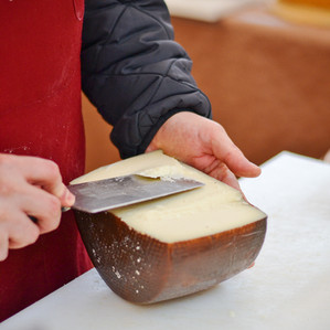 Pecorino sardo al taglio.jpg