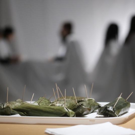 Cloth/Tuch A Dining Room Tale with Jürgen Fritz  in an installation by Christine Biehler Suomenlinna, Helsinki, Finland 2018 Photo: Antti Ahonen