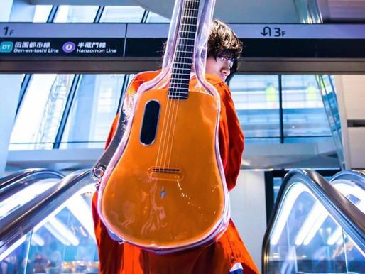 碳纤维 是一种高强度和模量的耐高温纤维,加入声学与科技融合的声学吉他,隆重介绍—— LAVA ME 2