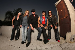 Video Premiere: GREAT WHITE's 'Big Time'