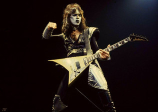 Ex- KISS Guitarist Vinnie Vincent Will Release Autobiography