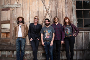 DUFF MCKAGAN Releases Music Video For 'Don't Look Behind You'