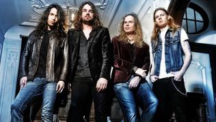"Vandenberg's MOONKINGS featuring former Whitesnake guitarist ADRIAN VANDENBERG release ""TIGHTROP"