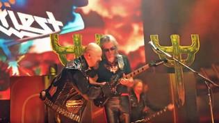 JUDAS PRIEST Rejoined By Guitarist GLENN TIPTON At Newark, New Jersey Concert (Video)