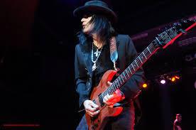 HURRICANE Guitarist Robert Sarzo talks new material and more
