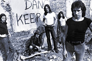 'AC/DC 1973-1980: The Bon Scott Years' Book Due In November