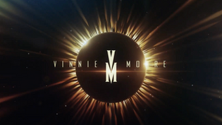 "VINNIE MOORE releases new video ""Same Sun Shines"""
