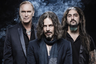 """THE WINERY DOGS 'Who Let The Dogs Out"""" 2019 Tour set to kick off April 30th"""