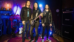 Alex Skolnick as guest judge for the first season of Shredders Of Metal