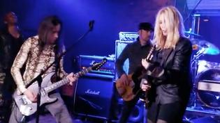 NANCY WILSON And NUNO BETTENCOURT Perform HEART's 'Barracuda'