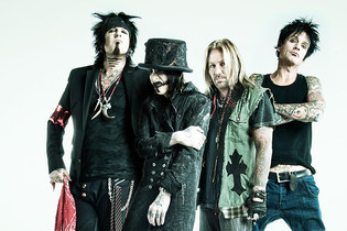 "MOTLEY CRUE blow up their ""cessation of touring"" agreement"