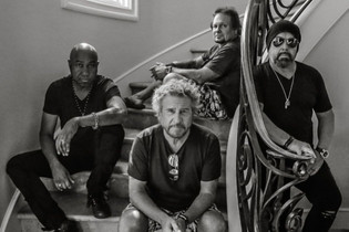 SAMMY HAGAR And THE CIRCLE To Release 'Space Between' Album In May