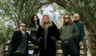 """INGLORIOUS ANNOUNCE NEW COVERS ALBUM """"HEROINE"""" COMING SEPTEMBER 10, 2021"""