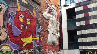 A permanent sculpture in tribute to late AC/DC singer Bon Scott was unveiled in Melbourne, Australia