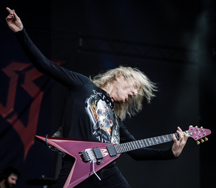 Ex-JUDAS PRIEST Guitarist K.K. DOWNING Returns To Stage (Video)