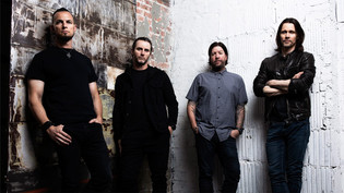 Alter Bridge premiere 'Wouldn't You Rather' video