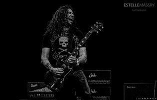 BON JOVI Guitarist Phil X Signs To Gibson