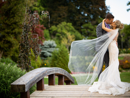Oakville Lake Front Elopement | Agata & Igor | Gairloch Gardens Wedding