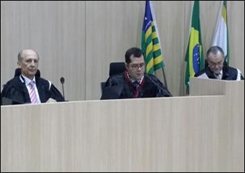 Procurador-geral Plínio Valente pede o bloqueio de mais de R$338 milhões em contas de prefeituras