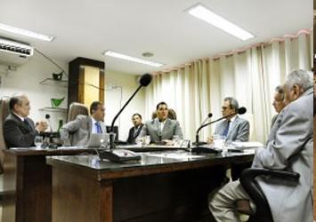 CCJ aprova recondução de Luciano Ramos ao cargo de Procurador Geral de Contas