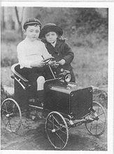 Jack & Doris Coggan, children of Reginald & Elsie Coggan.jpg