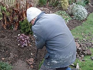 Andrew digging.jpg