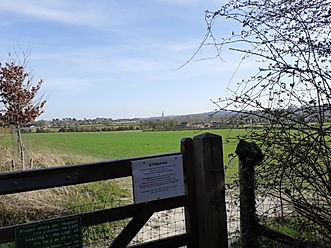 gate from footpath sals12 (1).jpg