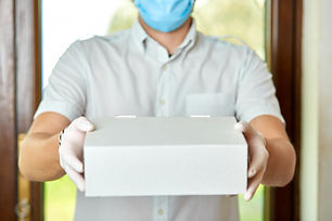 courier-delivery-man-medical-latex-glove