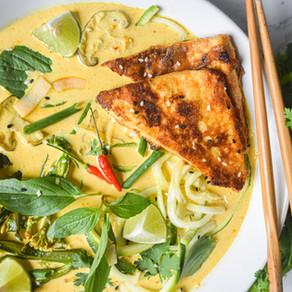 Veggie Noodle & Crispy Tofu Curry Bowl