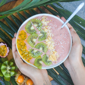 Tropical Pink Smoothie Bowl