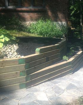 timber planter.jpeg
