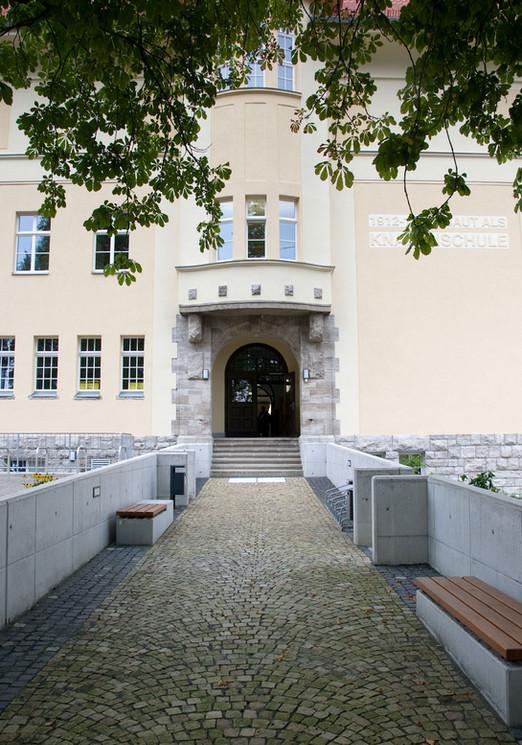 Schulhof Renthofstraße 4