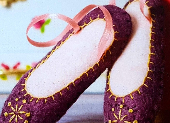 Sewing kit dancing shoes
