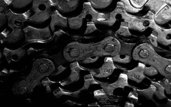 Chains And Gears   Free Windows Wallpapers.jpg