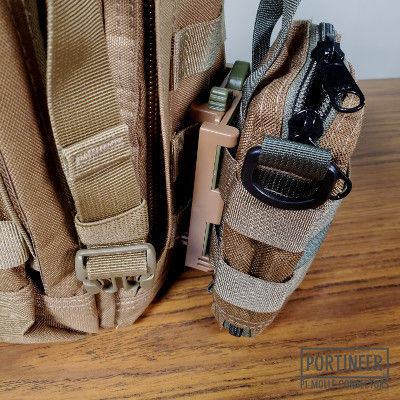Portineer P1 MOLLE Connector connected