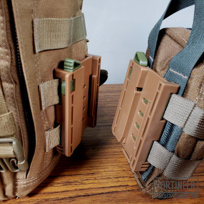 Portineer P1 MOLLE Connector disconnected