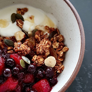 Chewy Apple + Quince Granola