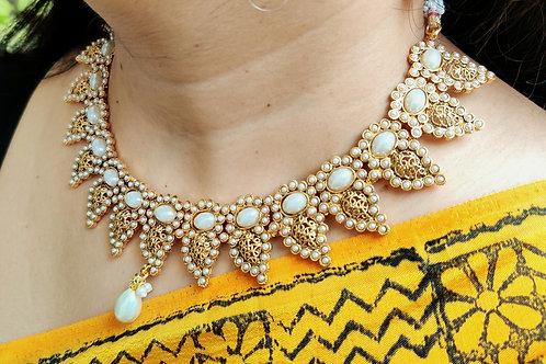 Pearl necklace n earrings