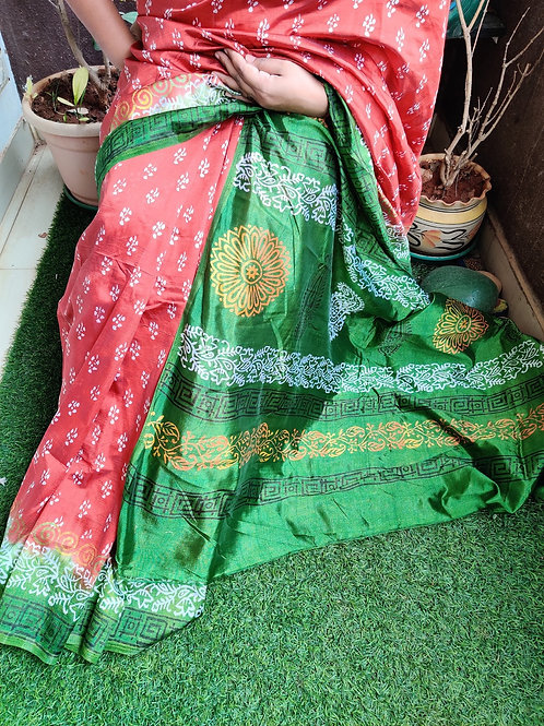 Red-green printed silk