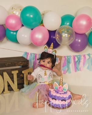 Nahid Cake Smash-03.jpg