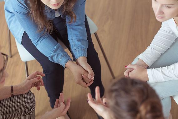 Brainstorming de mulheres jovens